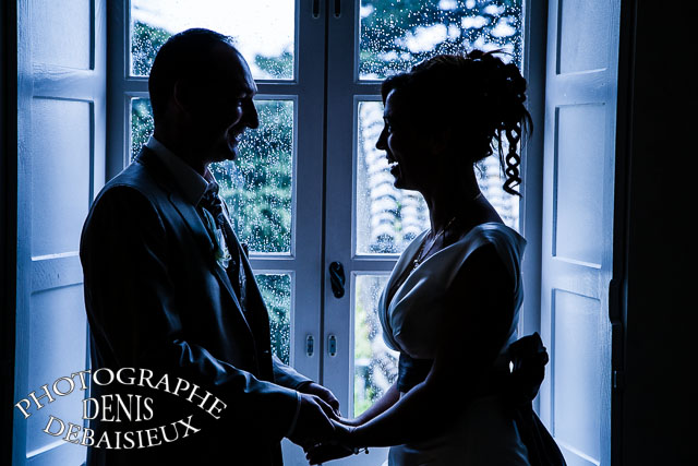 Mariage mariage elodie et thomas for Poster devant la fenetre je guette
